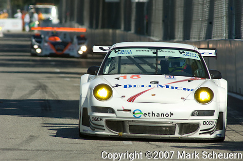 31 August 2007: The Rahal Letterman Racing Porsche 911 GT3 RSR driven by Ralf Kelleners  (DEU) and Tom Milner (USA) at the Detroit Sports Car Challenge presented by Bosch, Detroit, MI