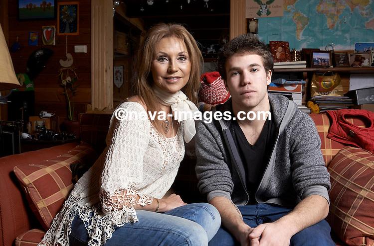 Lens,  le 6 mars 2013, Lolita Morena et Son fils Loris Mateus © sedrik nemeth