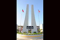 LEMONADE, Cabo Haitiano.-El presidente Leonel Fernández entregó este jueves al  pueblo haitiano una moderna universidad que fue donada por el pueblo dominicano, y dijo que la República Dominicana  no sólo ha estado acompañando  al vecino país en su reconstrucción, sino  también, en sus nuevas victorias.