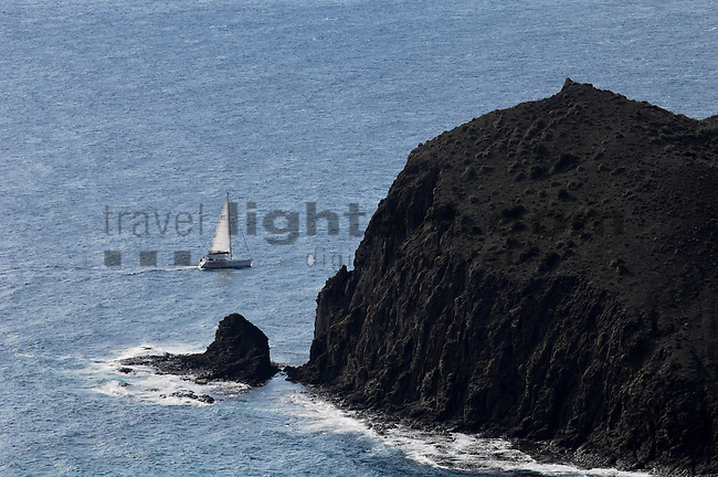 ©Paul Trummer, Mauren / FL, www.travel-lightart.com, Aussicht vom Aussichtspunkt Punto de la Amatista, View from lookout Punto de la Amatista, Almeria, Andalucia, Andalusia, Cabo de Gata, Europe, Geography, Spain, Andalusien, Europa, Geografie, Kap von Gata, Spanien, Landschaft, Landschaftsform, Landschaftsformen, Naturpark, naturparks, Naturreservat, Naturreservate, Naturschutzgebiet, Naturschutzgebiete, Naturschutzpark, Naturschutzparks, landscape, landscape form, landscape forms, landscapes, Nationalpark, Nationalparks, nature reserve, nature reserves, localities, lookout, outing platform, Gewässer, Meer, Meere, Mittelländisches Meer, Mittelmeer, bodies of water, body of water, mediterranean, Mediterranean sea, seas, coast, coastal landcsapes, coastline, coastlines, coasts, Küste, Küsten, Küstenlandschaft, Boot, Boote, Dinge, Fahrzeug, Fahrzeuge, Gegenstand, Gegenstände, Jacht, Jachten, KFZ, Maritim, Sachen, Schiff, Schiffahrt, Schiffe, Segelboot, Segelboote, Segeljacht, Segeljachten, Segeljolle, Segeljollen, Sportboot, Sportboote, Transport, Transportformen, Transportmittel, Verkehr, Verkehrsformen, Verkehrsmittel, Wasserfahrzeuge, Yacht, Yachten, boat, boats, maritime, objects, sail yacht, sailboat, sailboats, sailing boat, sailing boats, sailing yacht, ship, shipping, ships, sport boat, sport boats, sportsboat, sportsboats, things, traffic, transportation, transportations, vehicle, vehicles
