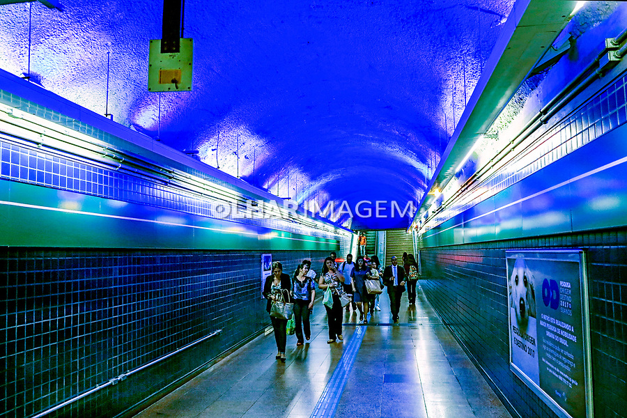 Campanha Novembro Azul no Metro, controle do cancer de prostata. Sao Paulo. 2017. Foto © Juca Martins.
