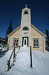 Eglise sur la route des Laurentides entre Baie Saint Paul et Chicoutoumi. Quebec en hiver. Canada.