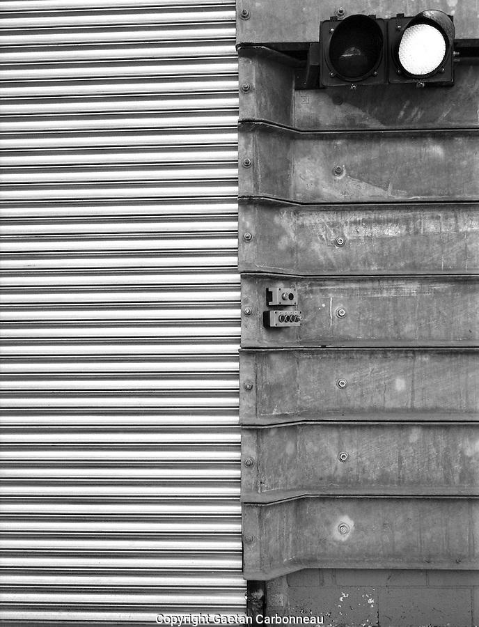 Metallic door