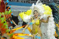 SAO PAULO, SP, 20 DE FEVEREIRO 2012 - CARNAVAL SP - LEANDO DE ITAQUERA - Rainha da Bateria Lívia Andrade durante desfile da escola de samba Leandro de Itaquera na terceira noite do Carnaval 2012 de São Paulo, no Sambódromo do Anhembi, na zona norte da cidade, neste domingo. (FOTO: LEVI BIANCO  - BRAZIL PHOTO PRESS).