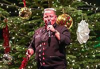 Comedian Woody Feldmann hat nach 18 Jahren wieder ein Heimspiel bei ihrer Weihnachtsshow in der Griesheimer Wagenhalle - Griesheim 20.12.2019: Weihnachtsshow Woody Feldmann in der Wagenhalle