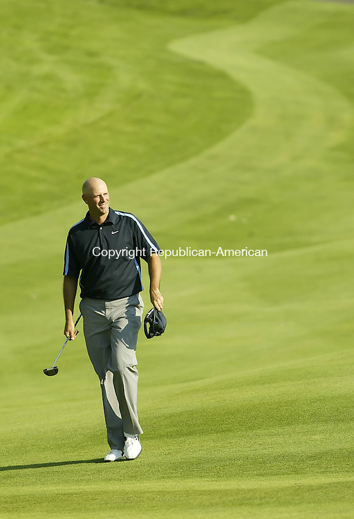 CROMWELL, CT, 06/21/08- 062108BZ07- Stewart Cink is all smiles as he walks up to 18 during the third round of the Travelers Championship at TPC River Highlands in Cromwell Saturday.<br /> Jamison C. Bazinet Republican-American