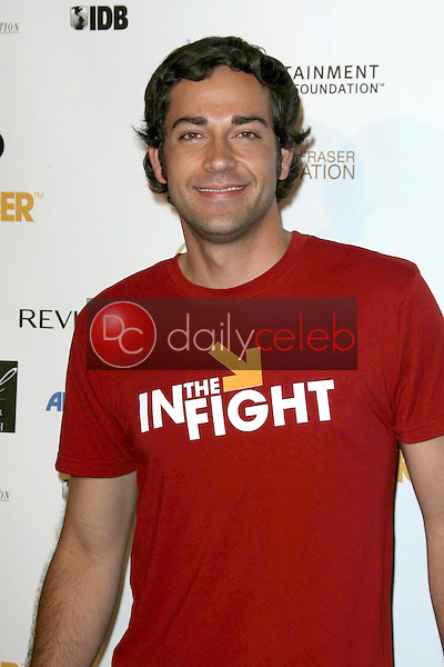 Zachary Levi<br />at Stand Up To Cancer. Kodak Theater, Hollywood, CA. 09-05-08<br />Dave Edwards/DailyCeleb.com 818-249-4998