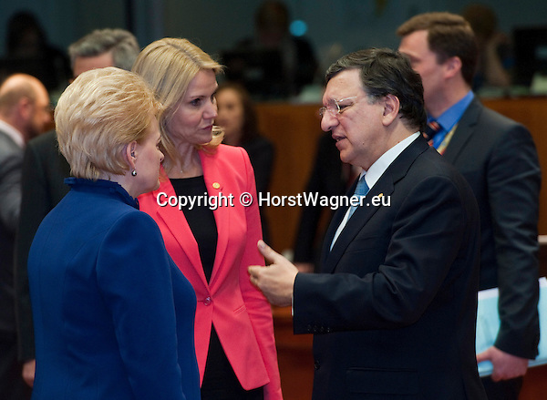 Brussels-Belgium - March 14, 2013 -- European Council, EU-summit meeting of Heads of State / Government; here, Dalia GRYBAUSKAITE (le), President of Lithuania, and Helle THORNING-SCHMIDT (ce), Prime Minister of Denmark, with José (Jose) Manuel BARROSO (ri), President of the European Commission -- Photo: © HorstWagner.eu