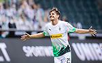 Jonas Hofmann (Bor. Moenchengladbach) (23) schiesst das 1:0 Tor und jubelt ausgelassen.<br /><br />27.06.2020, Fussball, 1. Bundesliga, Saison 2019/20, 34. Spieltag, Borussia Moenchengladbach - Hertha BSC Berlin, <br /><br />Foto: MORITZ MUELLER/POOL/via/Meuter/Nordphoto<br />Only for Editorial use