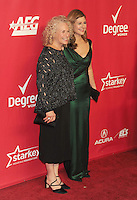 WWW.BLUESTAR-IMAGES.COM Honoree Carole King (L) and daughter singer/songwriter Louise Goffin attend 2014 MusiCares Person Of The Year Honoring Carole King at Los Angeles Convention Center on January 24, 2014 in Los Angeles, California.<br /> Photo: BlueStar Images/OIC jbm1005  +44 (0)208 445 8588