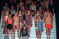 SAO PAULO, SP, 16 JUNHO 2012 - SPFW DESFILE TECA POR HELO ROCHA - Desfile da grife Têca por Hêlo Rocha durante a 33ª edição da São Paulo Fashion Week 2012 ( SPFW ), desfile da coleção Verão 2013, realizado em um ferro velho no bairro da Mooca em São Paulo (SP), neste sábado, 16. (FOTO: WILLIAM VOLCOV / BRAZIL PHOTO PRESS).