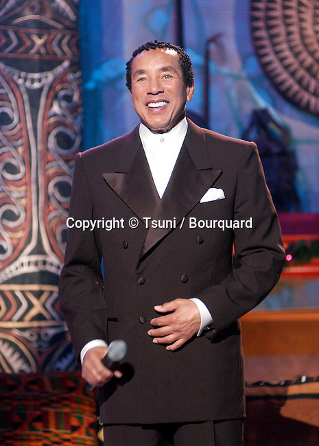 Smokey Robinson performing at the 2001 Soul Train Christmas Starfest, in Santa Monica Auditorium in Los Angeles. November 20, 2001.          -            RobinsonSmokey03.jpg