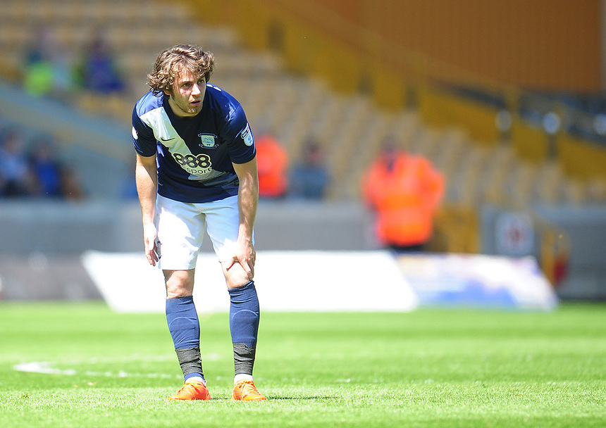 Preston North End's Ben Pearson<br /> <br /> Photographer Kevin Barnes/CameraSport<br /> <br /> The EFL Sky Bet Championship - Wolverhampton Wanderers v Preston North End - Sunday 7th May 2017 - Molineux Stadium <br /> <br /> World Copyright &copy; 2017 CameraSport. All rights reserved. 43 Linden Ave. Countesthorpe. Leicester. England. LE8 5PG - Tel: +44 (0) 116 277 4147 - admin@camerasport.com - www.camerasport.com
