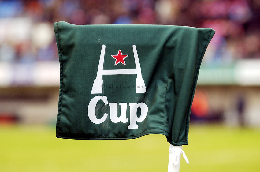 Photo. Henry Browne..Perpignan v Newcastle Falcons..Heineken Cup..08/01/2005..Heineken Cup flag..