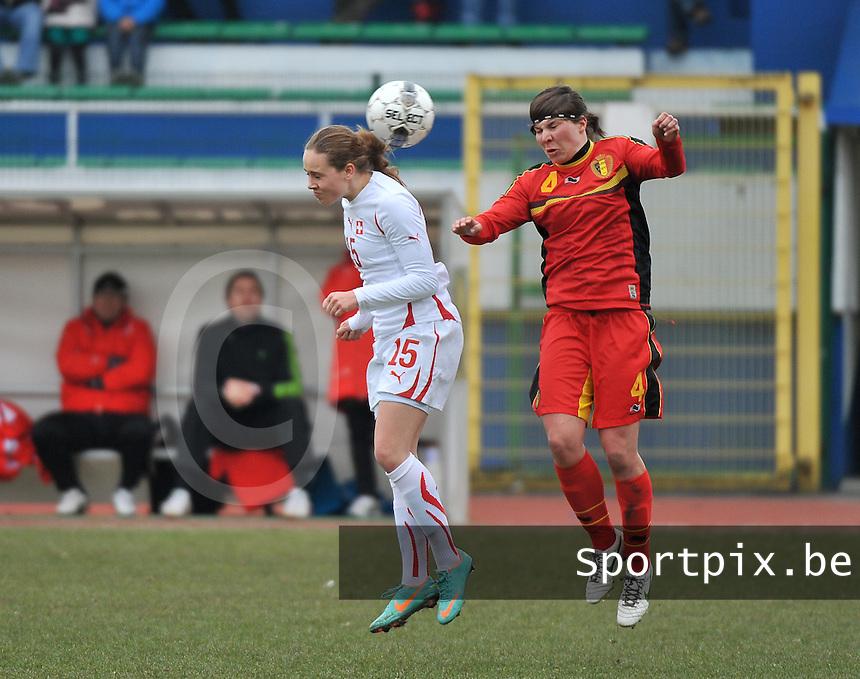 Belgium U19 - Switzerland U19 : Karen Verrydt (4) en Riana Fischer (15).foto DAVID CATRY / Nikonpro.be