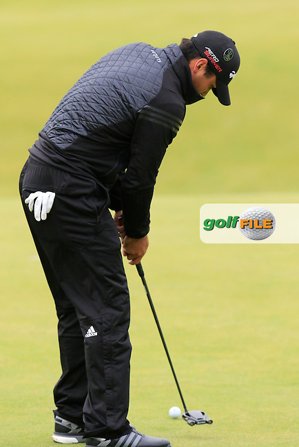 Jason DAY (AUS) takes his putt to go into the playoff on the 18th green during Monday's Final Round of the 144th Open Championship, St Andrews Old Course, St Andrews, Fife, Scotland. 20/07/2015.<br /> Picture Eoin Clarke, www.golffile.ie