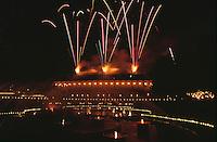 Daenemark, Feuerwerk im Vergnügungspark Tivoli in  Kopenhagen