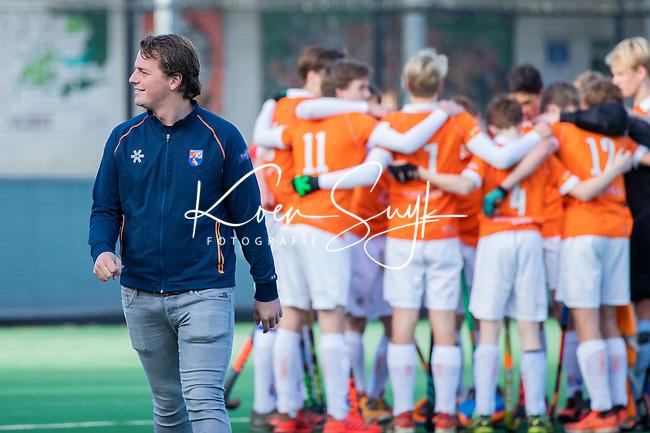 BLOEMENDAAL  - coach Vincent Opgelder (Bloemendaal), competitiewedstrijd junioren  landelijk  Bloemendaal JB1-Kampong JB1 (4-3) . COPYRIGHT KOEN SUYK