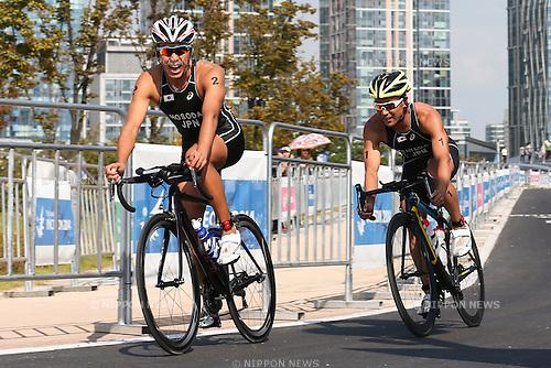 (L to R) Yuichi Hosoda, Hirokatsu Tayama (JPN), <br /> SEPTEMBER 25, 2014 - Triathlon : Men's Individual <br /> at Songdo Central Park Triathlon Venue <br /> during the 2014 Incheon Asian Games in Incheon, South Korea. <br /> (Photo by AFLO SPORT)