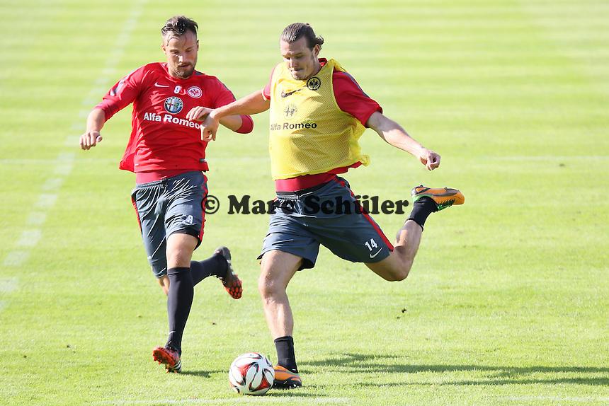 Haris Seferovic gegen Alex Meier - Eintracht Frankfurt Training, Commerzbank Arena