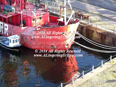 Boat Mooring ( Right Wall of Ship ) Tay River Inlet Dundee Scotland