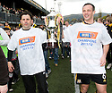Alloa manager Paul hartley and captain Darren Young with the 3rd Division Trophy.