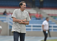 CALI - COLOMBIA, 17-08-2019: Alexandre Guimaraes técnico del América gesticula durante partido por la fecha 6 de la Liga Águila II 2019 entre América de Cali y Rionegro Águilas jugado en el estadio Pascual Guerrero de la ciudad de Cali. / Alexandre Guimaraes coach of America de Cali gestures during match for the date 6 as part of Aguila League II 2019 between America de Cali and Rionegro Aguilas played at Pascual Guerrero stadium in Cali. Photo: VizzorImage / Gabriel Aponte / Staff