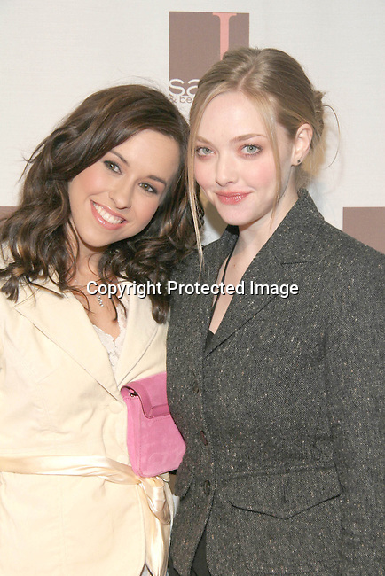 Lacey Chabert &amp; Amanda Seyfried<br />
