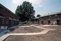 1993 June 21..Assisted Housing..Diggs Town (6-6)..Interim.Exterior looking Northwest.toward 1442 Melon Street (end unit on right)..NEG#.NRHA#..HOUSING: DiggsTn1 19:21