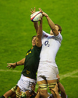 Eben Etzebeth of South Africa disrupts the England lineout during the QBE Autumn International match between England and South Africa at Twickenham on Saturday 24 November 2012 (Photo by Rob Munro)