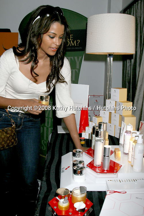 Claudia Jordan.3Lab.GBK Gifting Suite.Thompson Hotel.Beverly Hills, CA.January 10, 2008.©2008 Kathy Hutchins / Hutchins Photo...            .