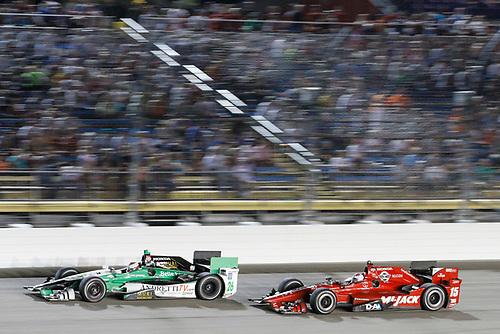 17-18 July, 2015, Newton, Iowa USA<br /> Carlos Munoz leads Graham Rahal<br /> ©2015 Sam Cobb<br /> LAT Photo USA
