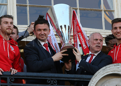 07.04.2016. Barnsley, England. Barnsley FC Johnstones Paint Trophy winners celebrations and parade. Barnsley FC caretaker manager Paul Heckingbottom lifts the trophy