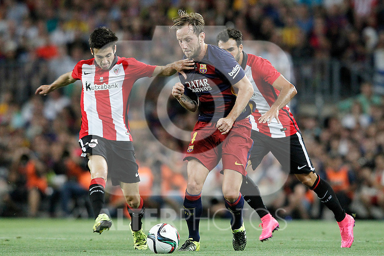 FC Barcelona's Ivan Rakitic (c) and Athletic de Bilbao's Markel Susaeta (l) and Mikel Balenziaga during Supercup of Spain 2nd match.August 17,2015. (ALTERPHOTOS/Acero)