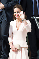 Kate, Duchess of Cambridge & Prince William visit Elizabeth - Australia