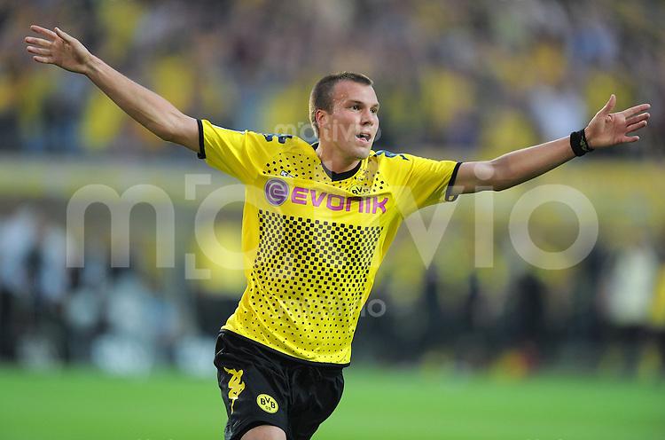 FUSSBALL   1. BUNDESLIGA  SAISON 2011/2012   1. Spieltag Borussia Dortmund - Hamburger SV                 05.08.2011 Kevin GROSSKREUTZ (Dortmund) jubelt nach seinem Tor zum 1:0