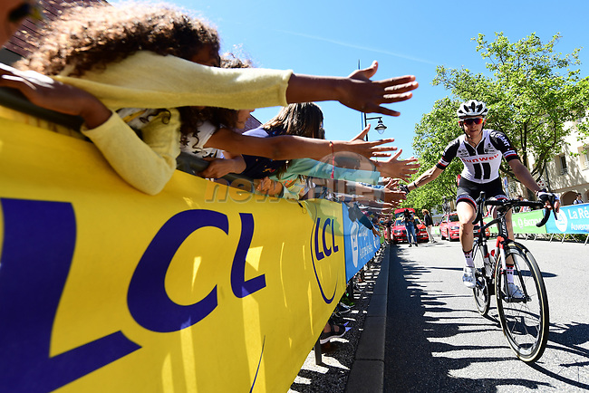 Warren Barguil (FRA) Team Sunweb at sign on before the start of Stage 5 of the Criterium du Dauphine 2017, running 175.5km from La Tour-de Salvagny to Macon, France. 8th June 2017. <br /> Picture: ASO/A.Broadway   Cyclefile<br /> <br /> <br /> All photos usage must carry mandatory copyright credit (&copy; Cyclefile   ASO/A.Broadway)