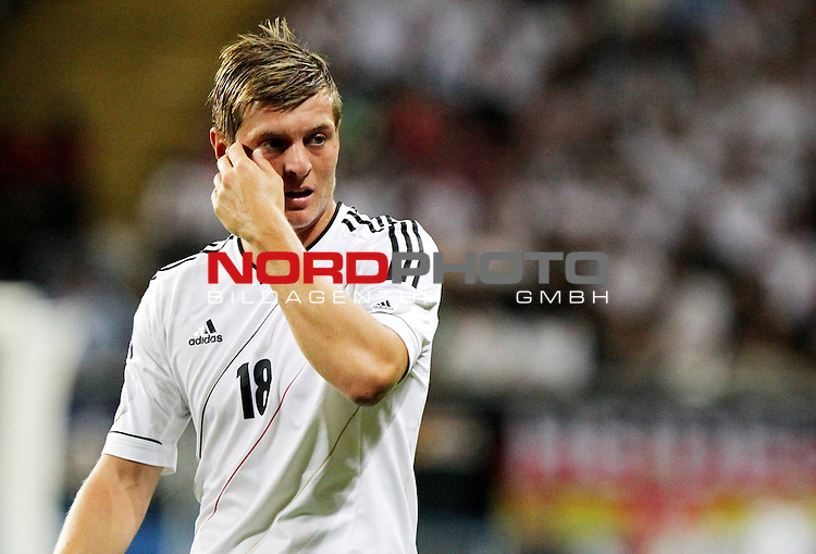 15.08.12, Frankfurt am Main, Commerzbank-Arena, GER,  Freundschaftsspiel, Laenderspiel, Deutschland vs Argentinien <br />  im Bild Toni Kroos (GER) entt&auml;uscht <br /> <br />  // during the match between Deutschland and Argentinien  on 2012/08/15 <br />   Foto &copy; nph / Hessland