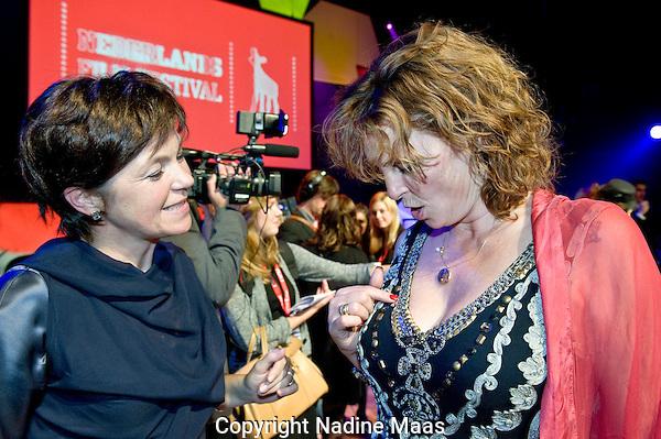 Utrecht, 1 oktober 2010.Nederlands Film Festival, NFF10.Slotavond, uitreiking Gouden Kalveren, Gouden Kalf winnaars, Willemien van Aalst, Mijke de Jong..Foto: Nadine Maas