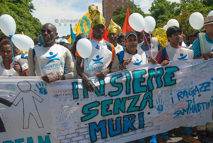 Milano, 20 maggio 2017, Marcia per l'accoglienza, l'integrazione dei migranti e una società multietnica.Milan, 20 May 2017, March for the welcome, integration of migrants and a multiethnic society.