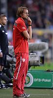 FUSSBALL   DFB POKAL 2. RUNDE   SAISON 2013/2014 SC Freiburg - VfB Stuttgart      25.09.2013 Trainer Thomas Schneider (VfB Stuttgart) nachdenklich
