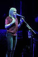 Amy MacDonald And Rosborough In Concert