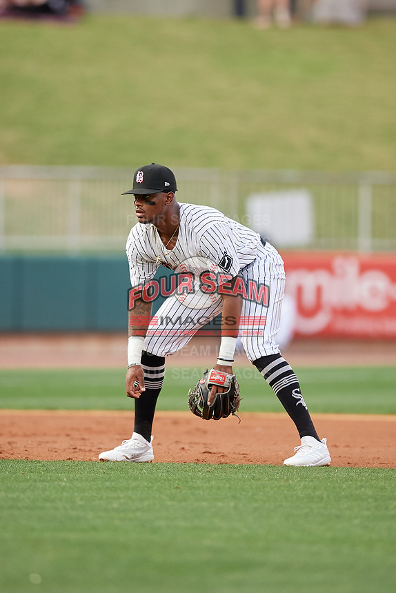 Birmingham Barons third baseman Ti'Quan Forbes (10) during a Southern League game against the Chattanooga Lookouts on May 1, 2019 at Regions Field in Birmingham, Alabama.  Chattanooga defeated Birmingham 5-0.  (Mike Janes/Four Seam Images)