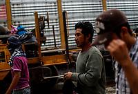 """La Caravana del Migrante con un contingente de alrededor de 600 personas en su mayoría de origen centroamericano, arribo a Hermosillo Sonora a bordo del tren conocido como """"La Bestia"""", provienen de la frontera Sur del País y con rumbo a la ciudad de Mexicali donde continuaran el viaje hasta Tijuana.<br /> La caravana tiene como objetivo solicitar <br /> asilo a Estados Unidos y algunos integrantes piensan solicitar una visa humanitaria en México para laborar en los campos de Sonora y Baja California.<br /> (Photo: NortePhoto/Luis Gutiérrez)"""