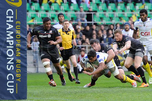 18.04.2015. Clermont-Ferrand, Auvergne, France. Champions Cup rugby semi-final between ASM Clermont and Saracens.  Wesley Fofana (asm) tackled by Brad Baritt (saracens)