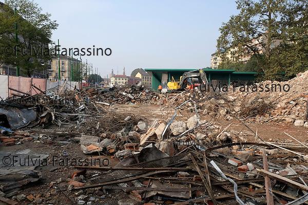 Milano, 30 ottobre 2014 Lavori in corso sulla Darsena.Il nuovo mercato <br /> Work in progress