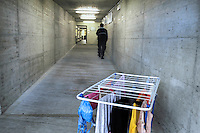 In Canton Ticino, a Biasca, un  bunker, attualmente affidato alla protezione civile elvetica, è stato destinato come centro di accoglienza per donne, minori e famiglie di richiedenti asilo politico e profughi.