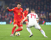 19th November 2019; Cardiff City Stadium, Cardiff, Glamorgan, Wales; European Championships 2020 Qualifiers, Wales versus Hungary; Aaron Ramsey of Wales makes a move to beat Gergo Lovrencsics of Hungary - Editorial Use