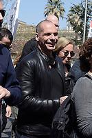 Roma, 25 Marzo 2017<br /> Yanis Varoufakis con DIeM25<br /> Corteo per una Europa solidale , democratica e accogliente, contro muri e frontiere per i migranti.<br /> La nostra Europa