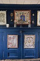 Europe/France/Bretagne/29/Finistère/Ile d'Ouessant: - Maison - Musée des Traditions Ouessantines - détail de mobilier - Autel
